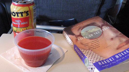 Tomatensaft im Flugzeug