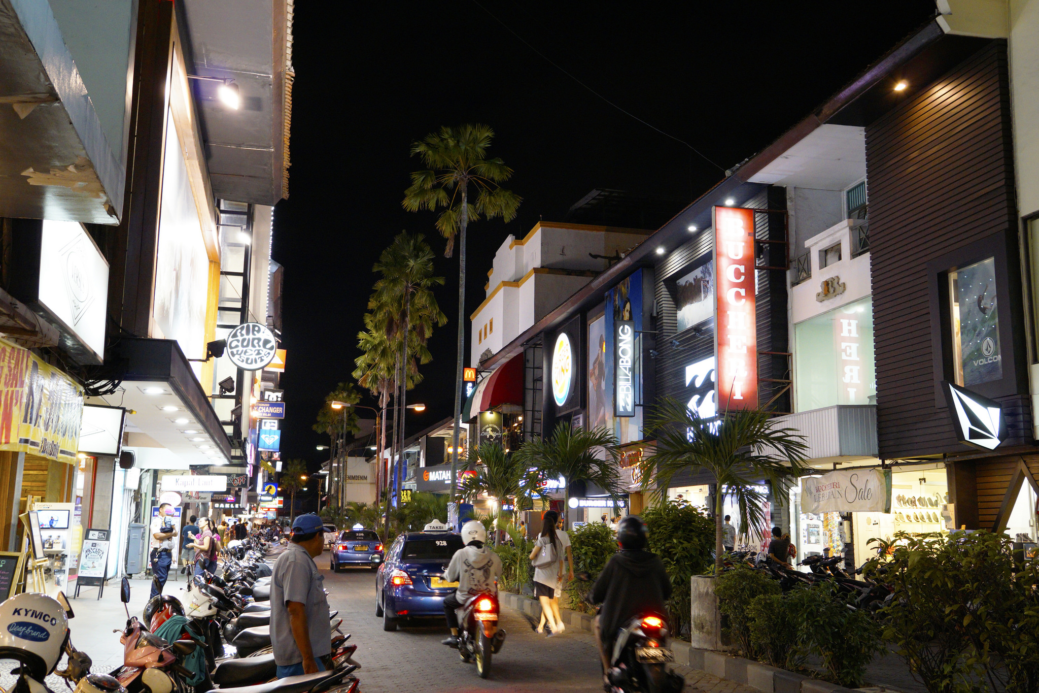 Kuta Square at Night