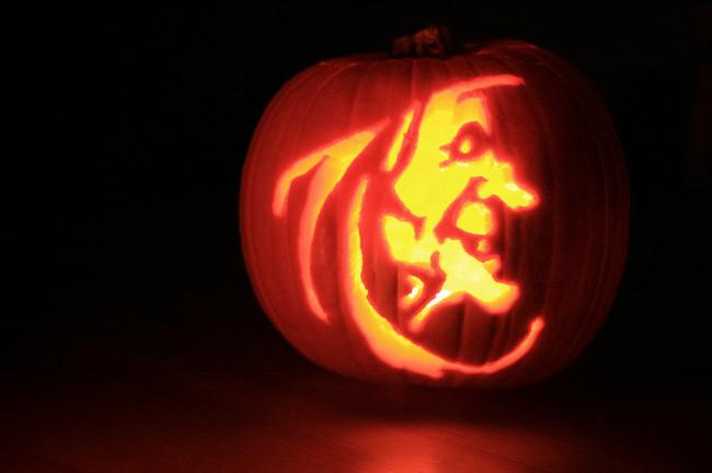 Halloween AirHelp Holidays