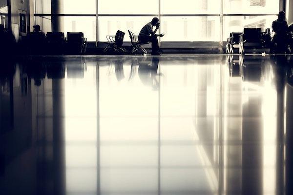 L'attesa in aeroporto - L'importanza dei diritti dei passeggeri aerei