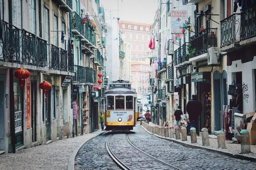 Tram storico a Lisbona