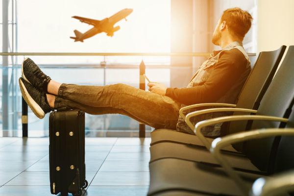 Venter på at flyve hjem