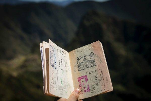 Visas attestant de la validité du passeport pour voyager