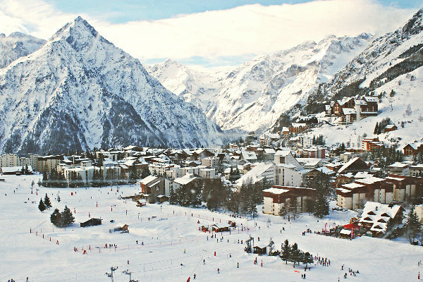 Les 2 Alpes, le plus grand domaine skiable sur glacier d'Europe