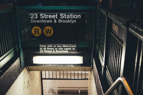 Métro pour aller à Manhattan et à Brooklyn