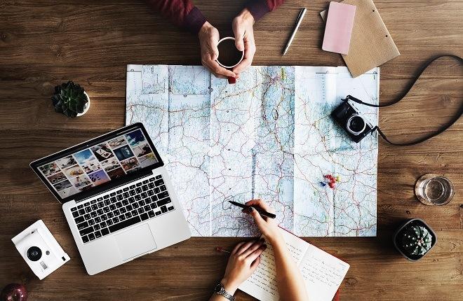 Planering av resa på en karta