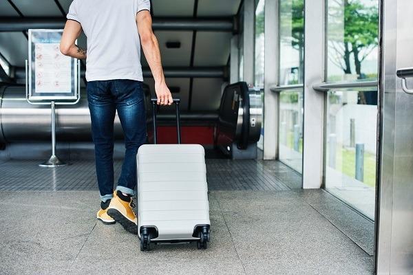 Packa ner kläder i handbagaget