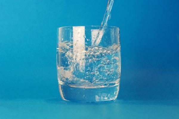 Drik rigeligt med vand og undgå jetlag