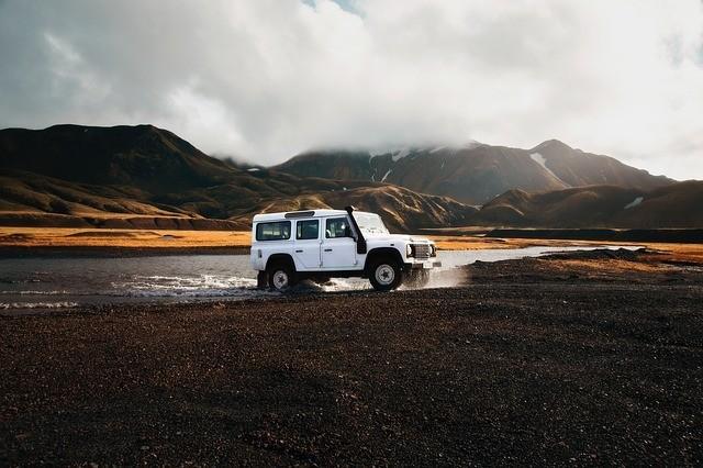 Huur een goedkope auto tijdens je goedkope vakantie in IJsland