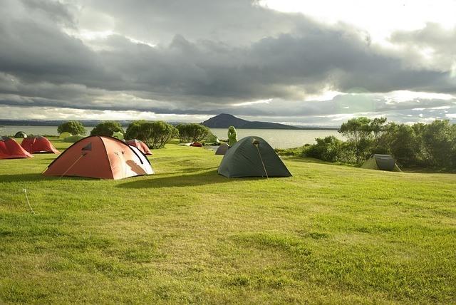 Kamperen in IJsland tijdens een goedkope vakantie IJsland